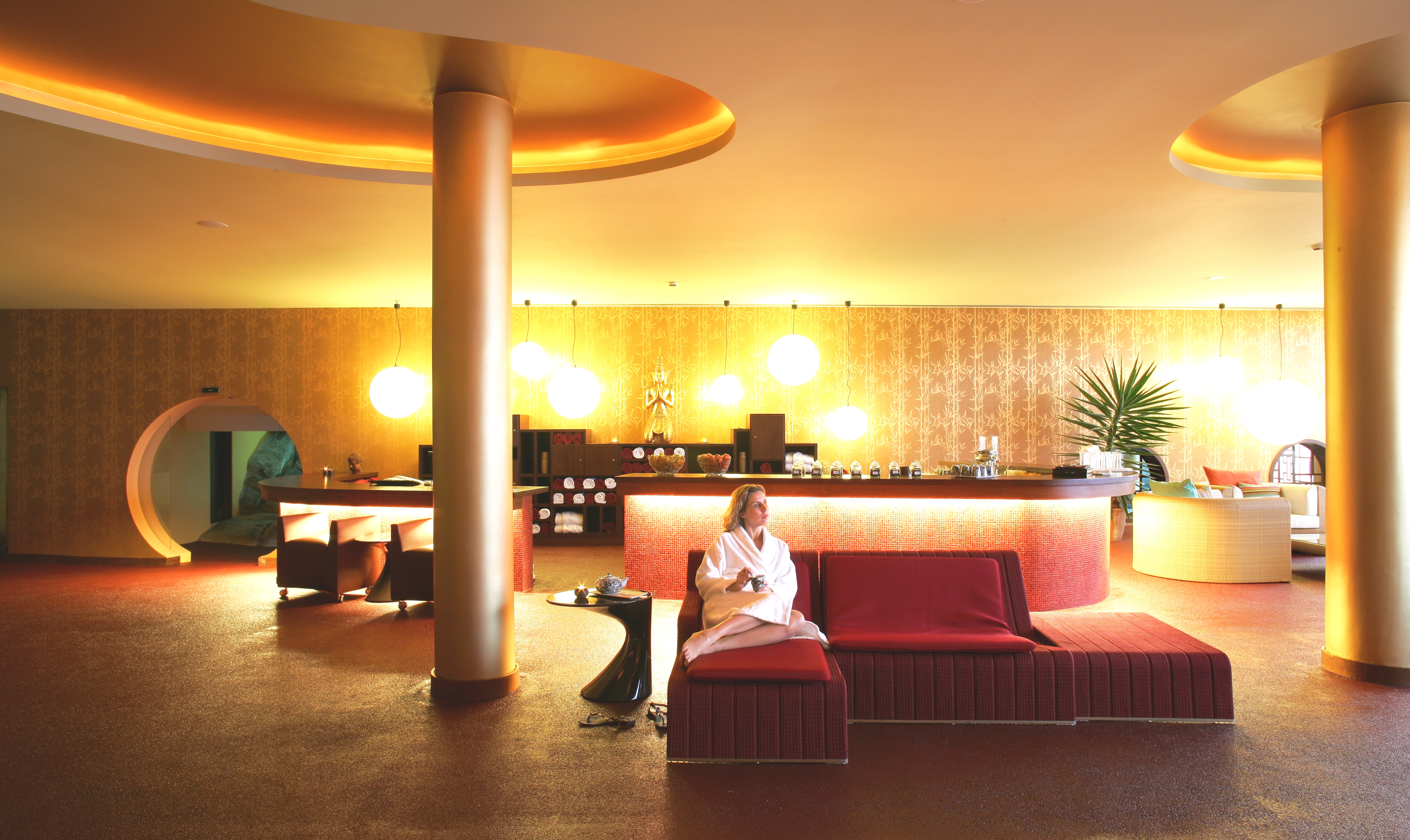 Kick Start 2014 With A Luxurious Spa Retreat Spider